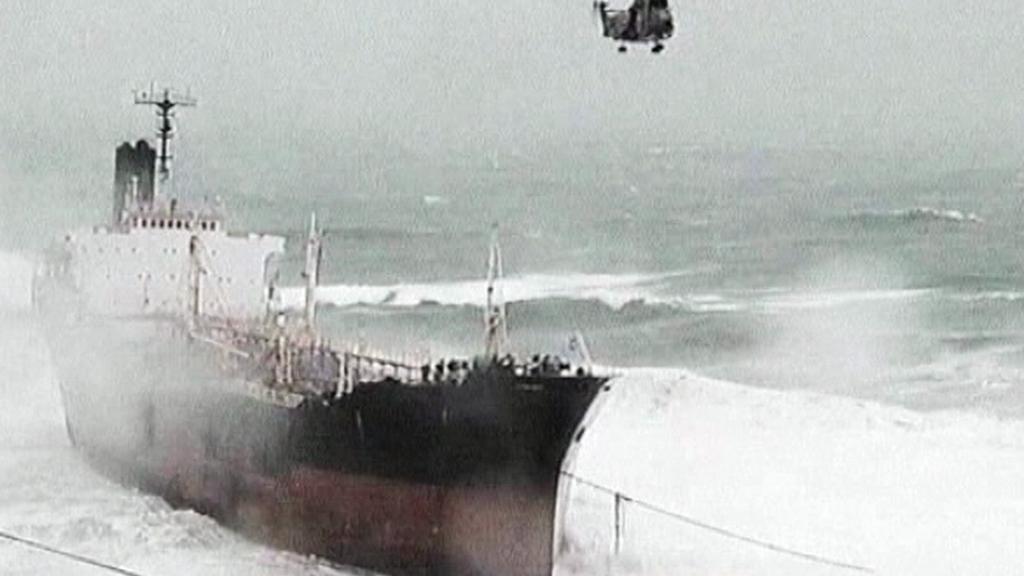 Silné sněžení komplikuje lodní dopravu
