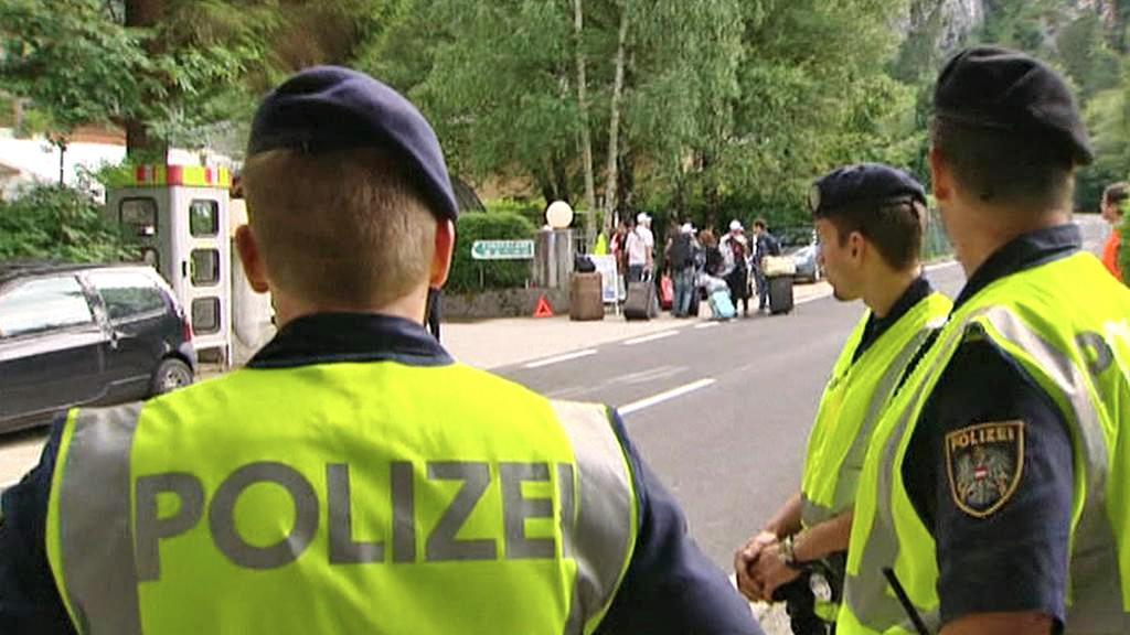 Na setkání socialistické mládeže ve Weissenbachu dohlíží policie