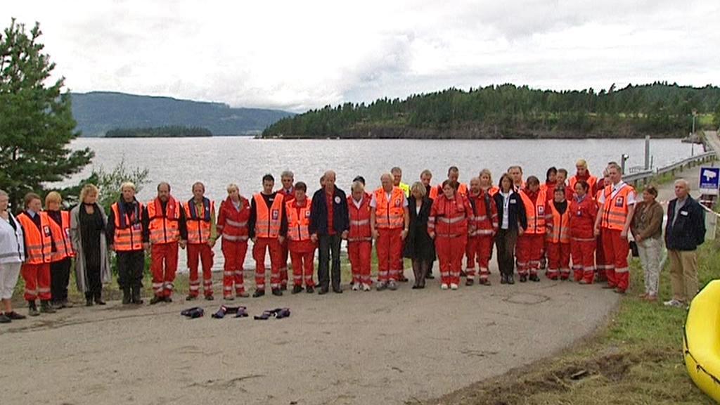 Norsko uctilo oběti masakru minutou ticha