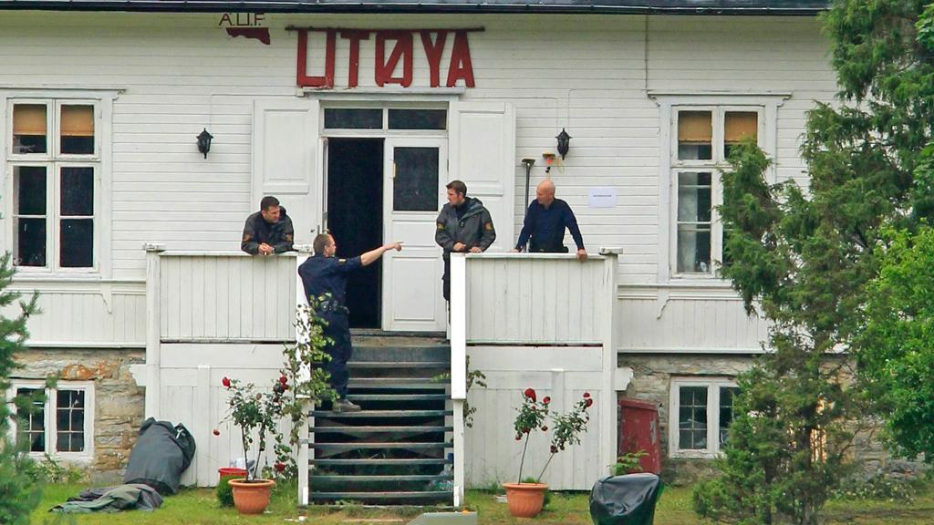 Norská policie vyšetřuje masakr na ostrově Utöya