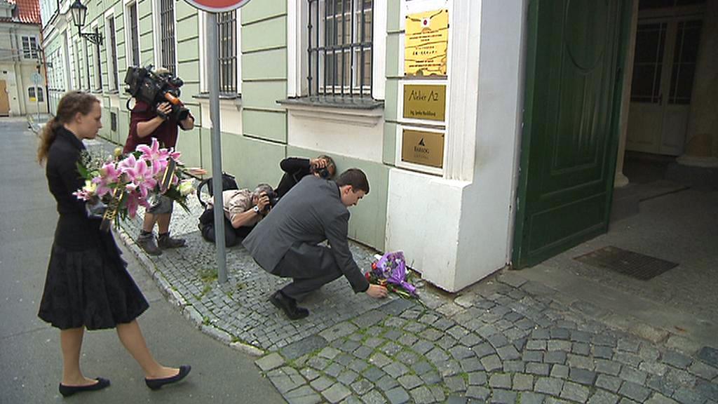 Pietní vzpomínka u norské ambasády v Praze