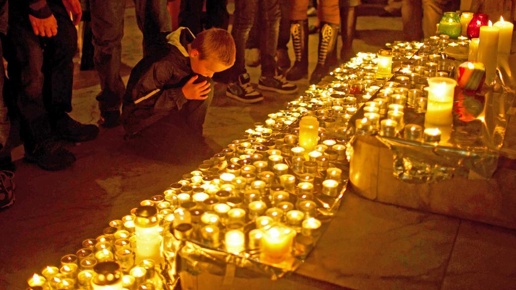 Norové drží smutek za oběti pátečního masakru