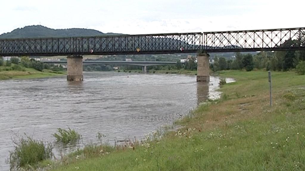Děčínský železniční most