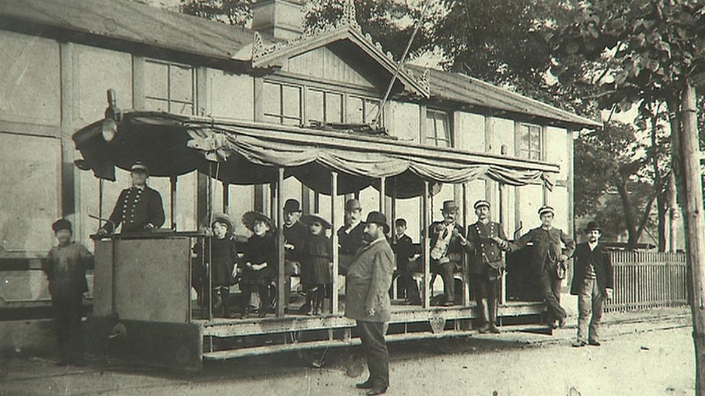 První elektrická tramvaj v Praze
