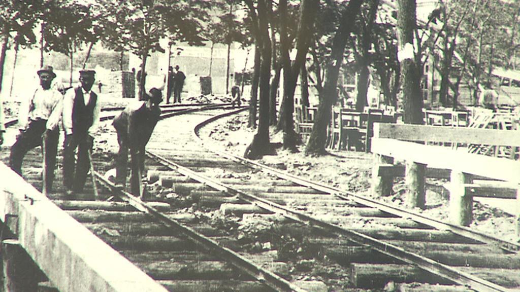 Stavba tramvajové dráhy