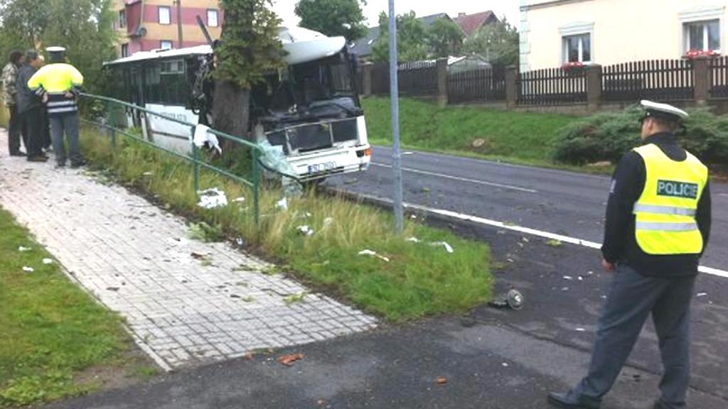 Nehoda autobusu u Staré Role
