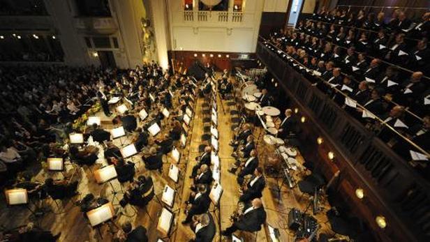 Koncert Ennia Morriconeho v Obecním domě