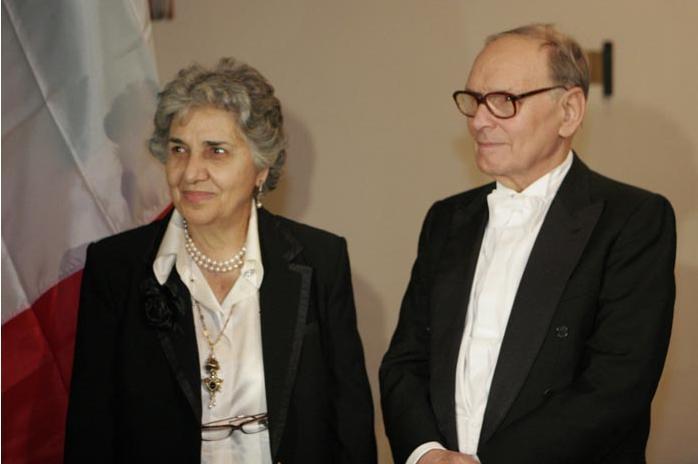 Ennio Morricone s manželkou