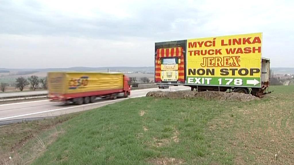 Billboard u dálnice
