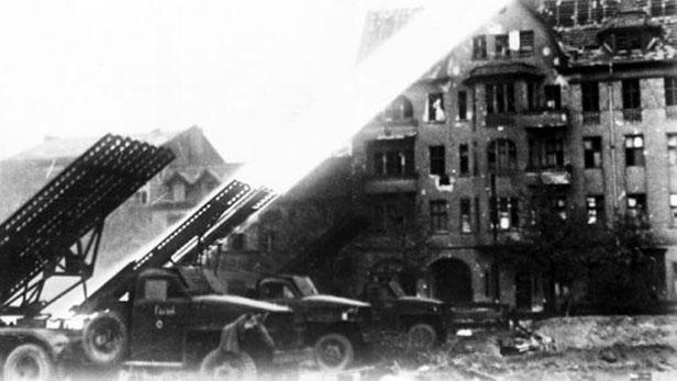 Sovětské kaťuše v Berlíně