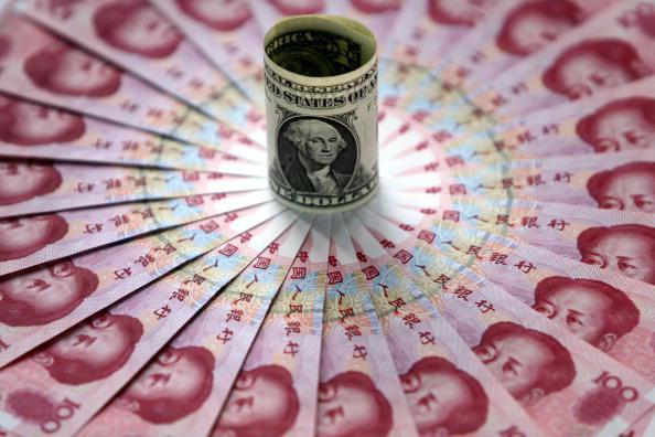 Dolar v souboji s juanem