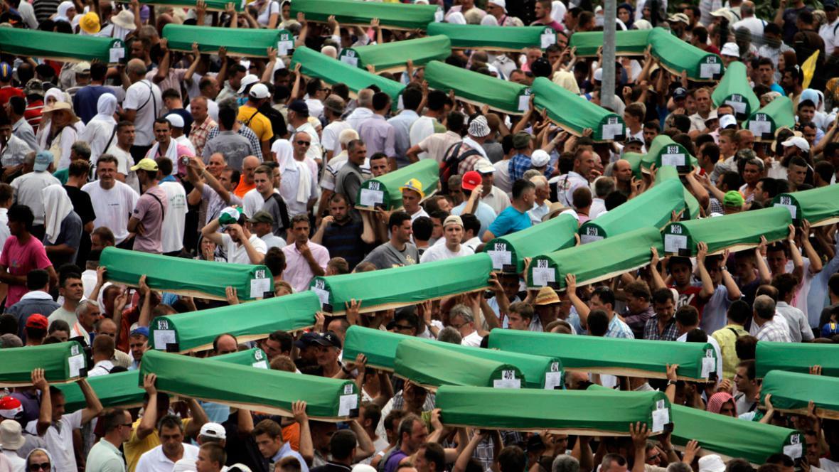 Pohřeb ostatků 613 Bosenců ve Srebrenici