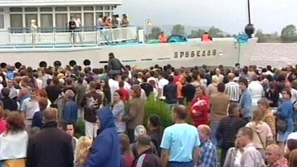 K potopené lodi se jako první dostal parník Arabella.