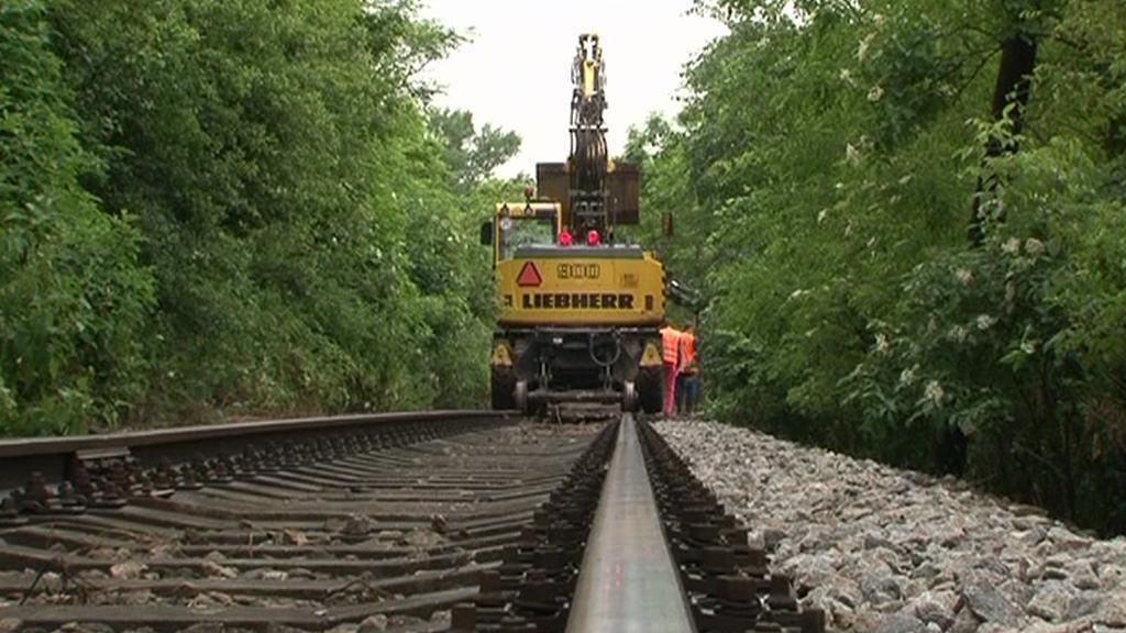 Odklízecí práce na trati