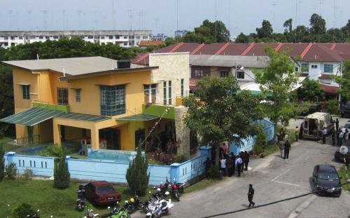 Muž držel v Malajsii 30 děti jako rukojmí