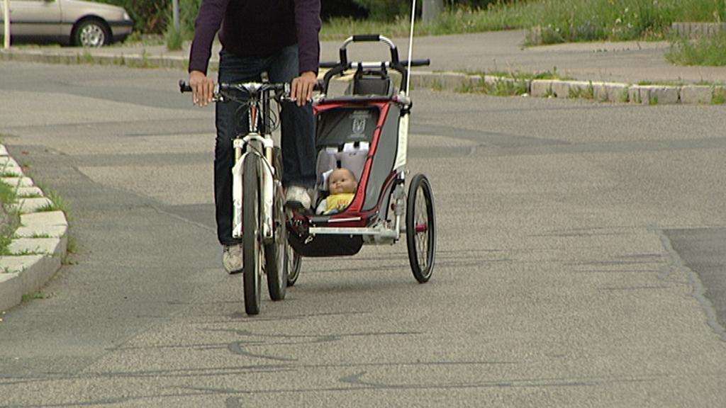 Dětský vozík za kolem