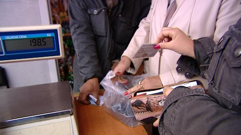 Inspektorka ČOI při kontrole nákupu