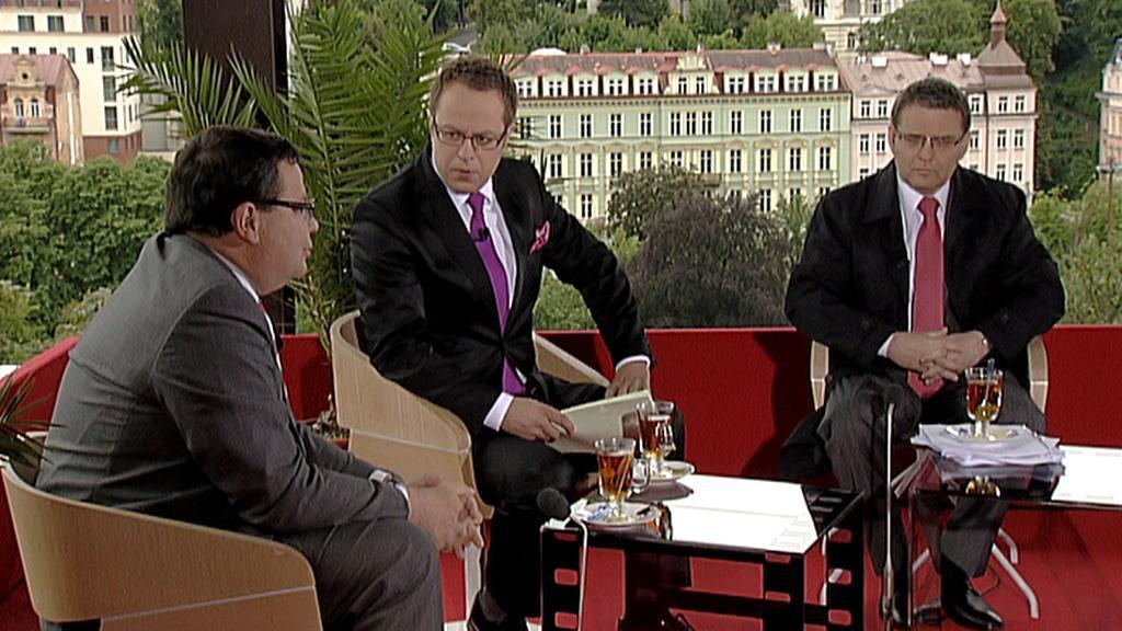 Vondra a Zaorálek v Otázkách Václava Moravce