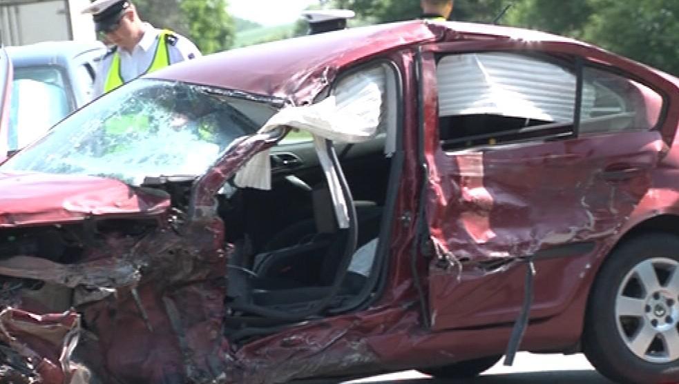 Řidič osobního vozu nehodu nepřežil