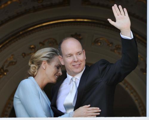 Kníže Albert II. se svou šťasnou novomanželkou Charlene