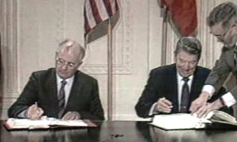 Michail Gorbačov a Ronald Reagan