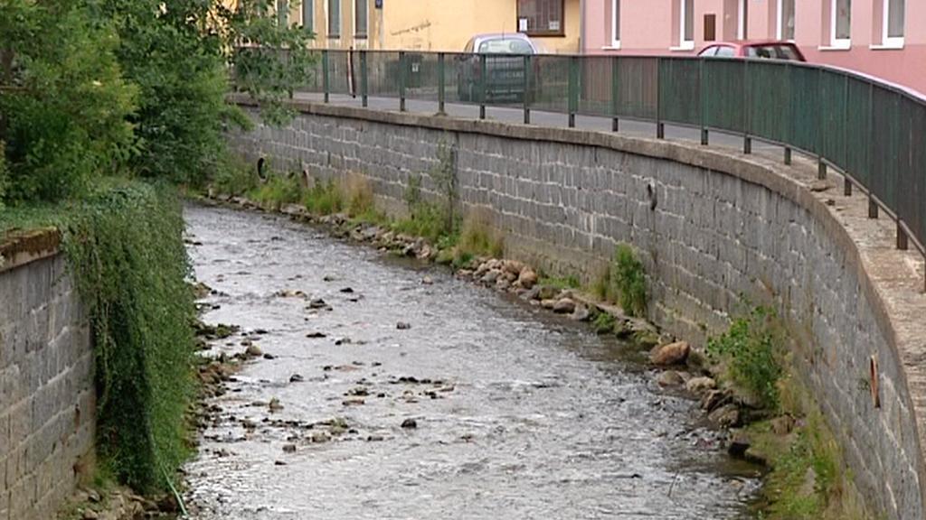 Řeka Bystřice v Hroznětíně