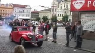 Plaketová jízda historických vozidel v Kolíně