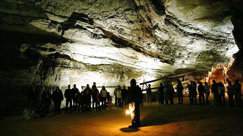 Mamutí jeskyně