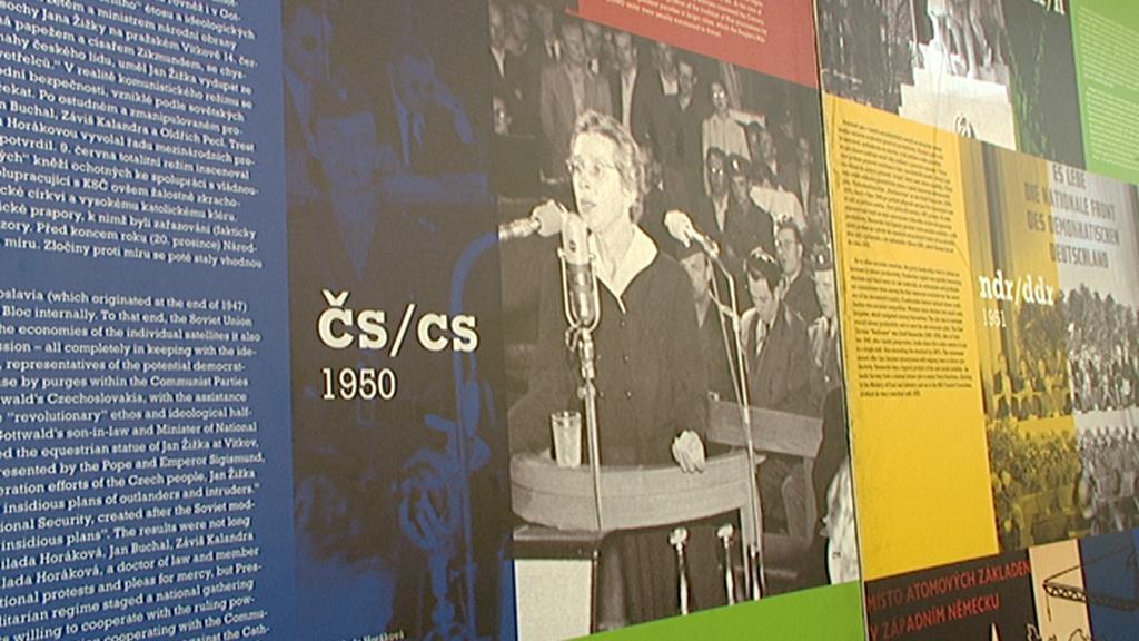 Výstava dobových  fotografií ze soudního procesu s Miladou Horákovou