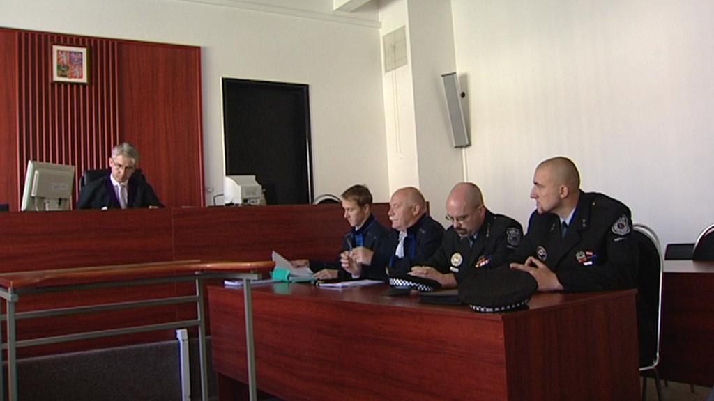 Strážníci u soudu