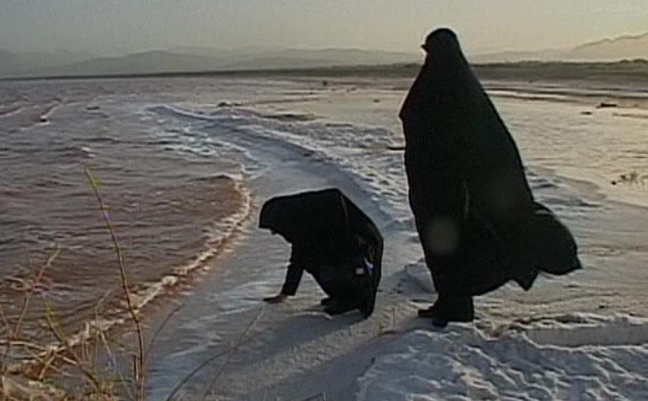 Nános soli na břehu Urmijského jezera