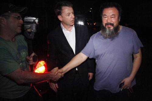 Aj Wej-wej při návratu z vězení