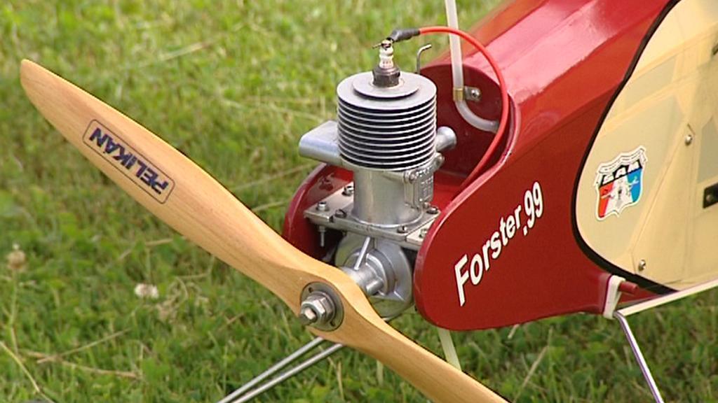 Unikátní motor Forster 99