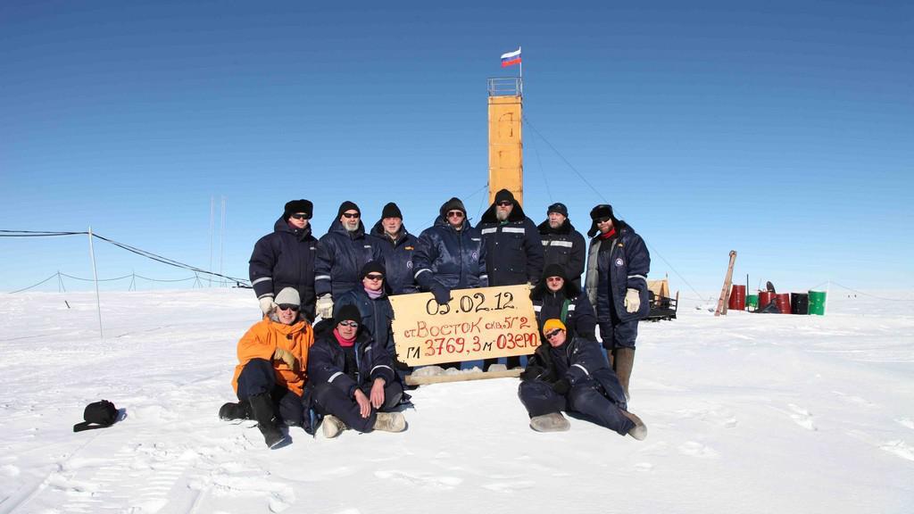 Ruští vědci u jezera Vostok