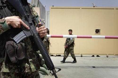 Afghánec střílel na kábulském letišti na vojáky NATO