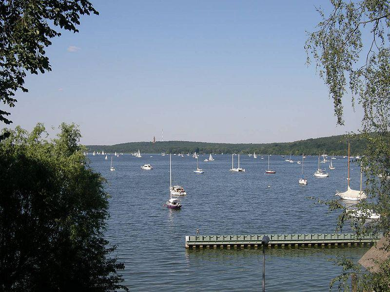 Pohled z ostrova Schwanenwerder