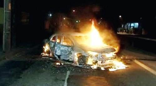 Hořící auto