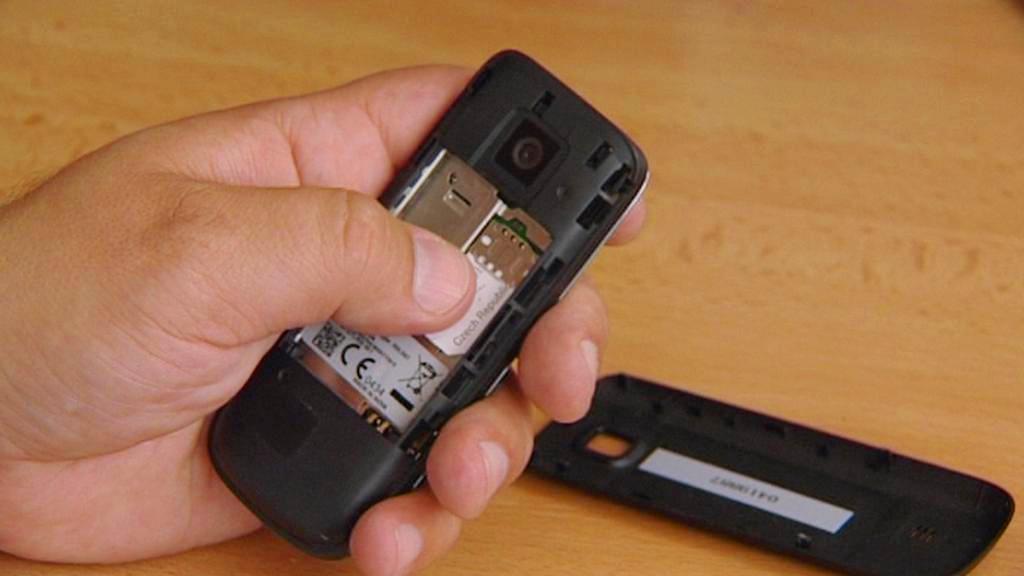 Vložení SIM karty
