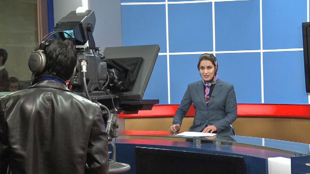 Moderátorka afghánské televize TOLO