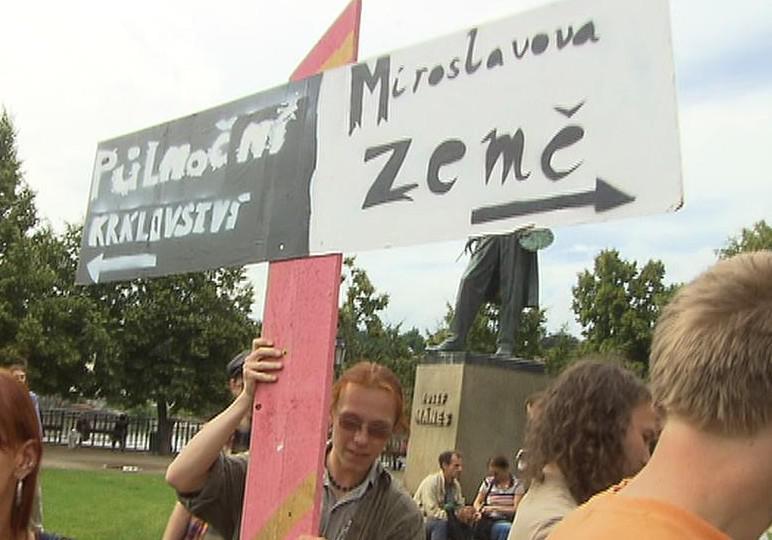 Protest proti vyhlášce o pouličním hraní