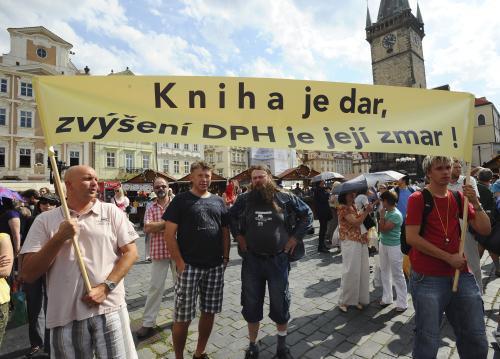 Demonstrace proti zvýšení DPH na knihy