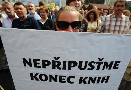Demonstrace knihkupců proti růstu DPH
