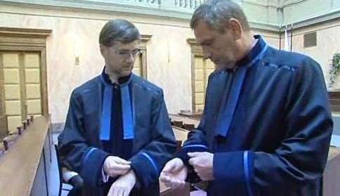 Advokáti v talárech poprvé před Ústavním soudem