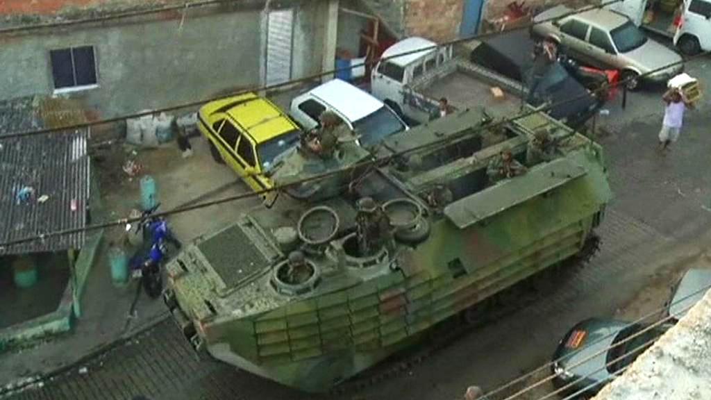 Zásah brazilských speciálních jednotek ve slumu Mangueira