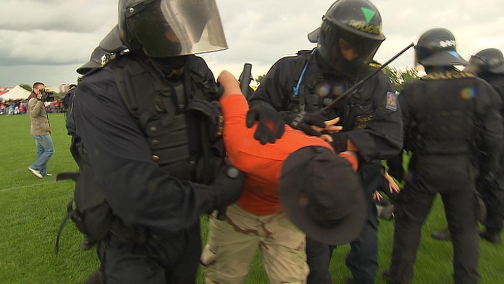 Policisté nacvičují zásah proti demonstrantům