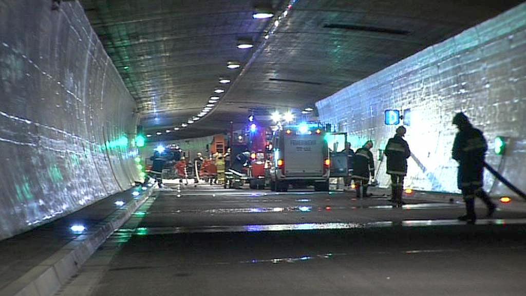 Simulovaná nehoda v tauernském tunelu