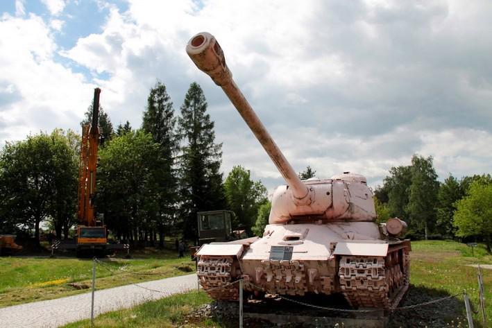 Slavný růžový tank v muzeu v Lešanech