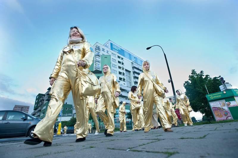 Pražské Quadriennale - extrem costume