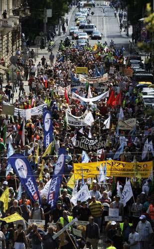 Demonstrující odboráři
