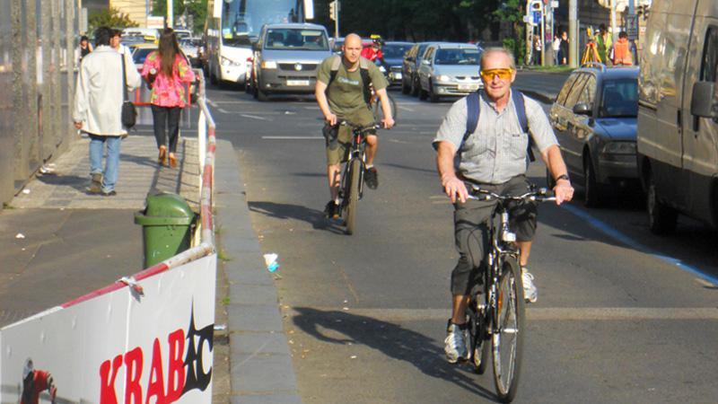 Na kole dnes do ulic vyrazili lidé bez rozdílu věku